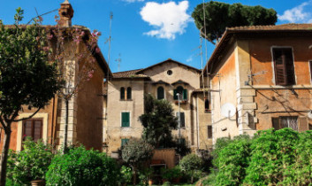 OBLOZHKA IMG 4433 370x222 1 353x210 - Неизведанный Рим – самая необычная обзорная экскурсия