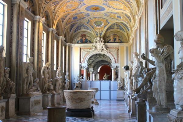 OBLOZHKA IMG 6831 600x400 - Секретный Ватикан