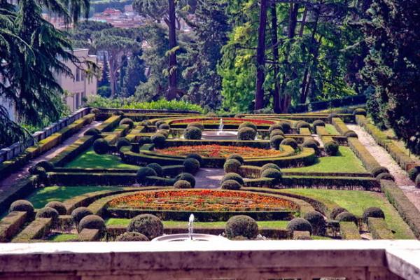 giardini vaticani 2012 8 600x400 - Сады Ватикана