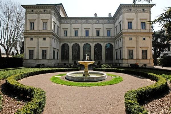 villa Farnesina 600x400 - Неизвестный Рафаэль на вилле Фарнезина