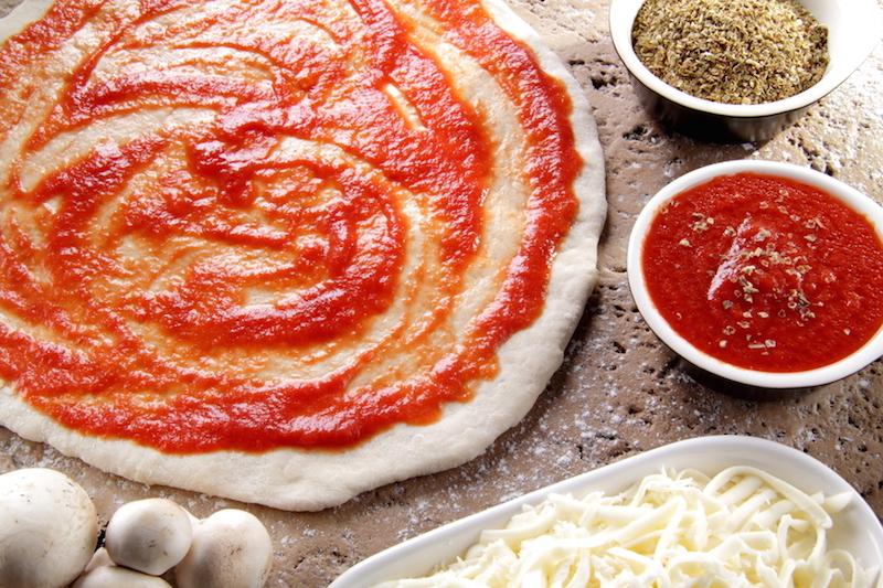 Depositphotos 11850810 s - Королева пиццы или пицца для королевы