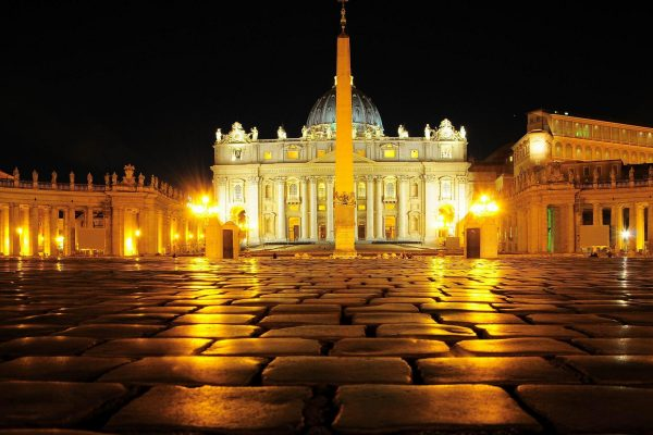 vatican city Urban Landscape Wallpaper 2560x1600 600x400 - Ватикан под звездами