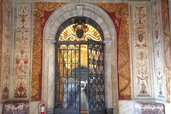IMG 2132 2 copia 600x400 - Ватикан для жаворонков