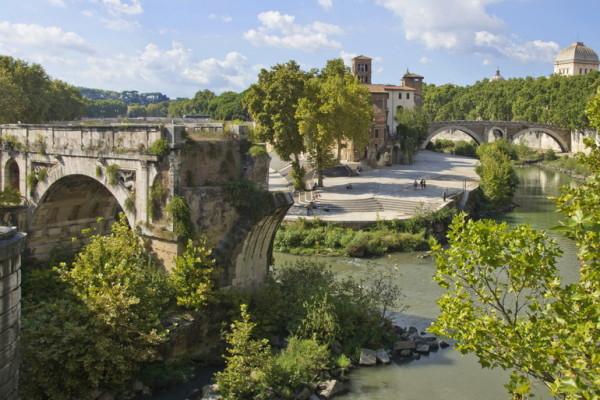 Isola_Tiberina_&_Ponte_Rotto_(8134647175)